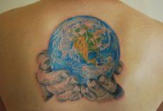 Яркие идеи татуировки Земли